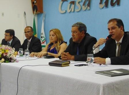 Câmara Municipal realiza Solenidade de entrega de Titulo de Cidadania Honorária