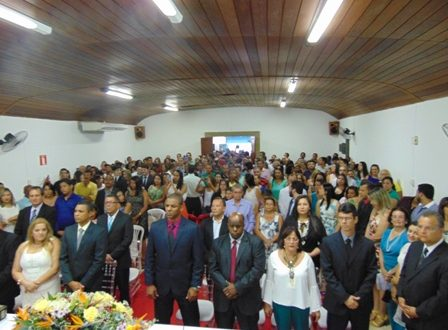 Vereadores, Prefeito e Vice-Prefeito são empossados em Nanuque.