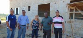 Vereadores visitam construção do Centro de Recuperação Instituto Servir